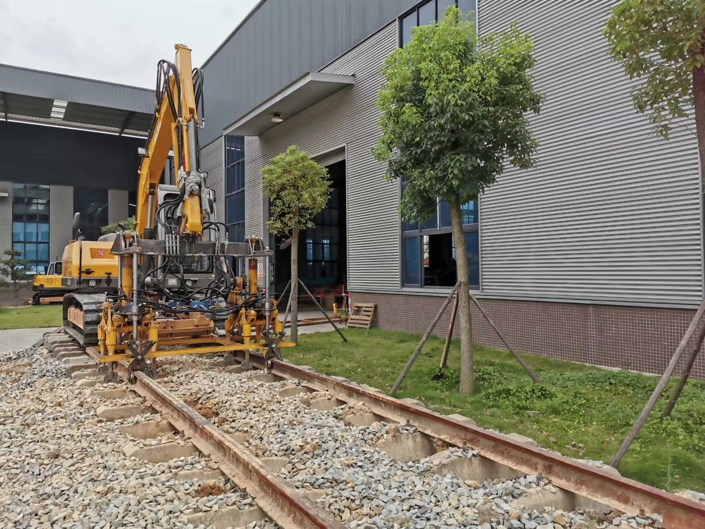 testing of China JingGong railway ballast machine